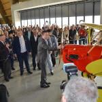 předseda PSP ČR Hamáček otevírá muzeum otočením vrtulí