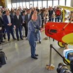 brigádní generál ing. Libor Štefánik velitel vzdušných sil Armády České republiky otevírá muzeum otočením vrtulí