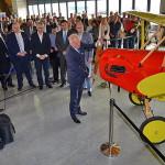 ing. Václav Chytil ředitel Regionálního operačního programu Střední Čechy otevírá muzeum otočením vrtulí